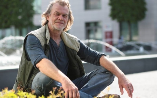 Představitel doktora Pusenského z Ordinace je úředně potvrzeným milionářem, jenže… S slavným režisérem Jurajem Jakubiskem se soudil sedmnáct let, ještě ale nedostal ani floka