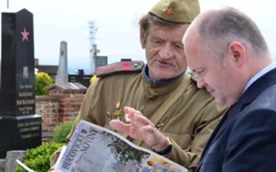 Válku začalo nacistické Německo, naším osvoboditelem byl Sovětský svaz, ne naopak - to zdůraznil hejtman Hašek v Ořechově, kde lidé uctili památku padlých rudoarmějců