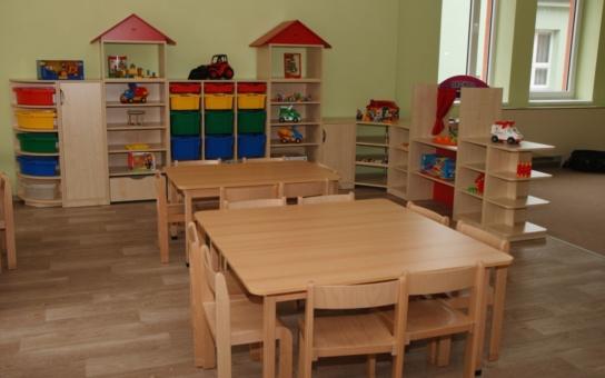 Prachatická nemocnice otevřela mateřskou školu i ubytovnu. Pro personál, nepocházející z regionu, bylo vybudováno pět menších bytů