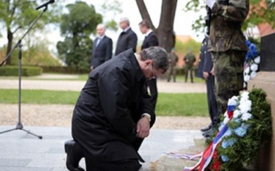 Pietní akt ve Slavkově tento týden připomněl oběti osvobozovacích bojů