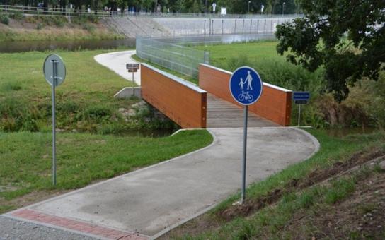 Dětským dnem zahájí Hluboká nad Vltavou provoz cyklostezky. Současně bude pokřtěna i nová výletní loď, která bude vozit návštěvníky z Českých Budějovic přes Hlubokou až do Purkarce