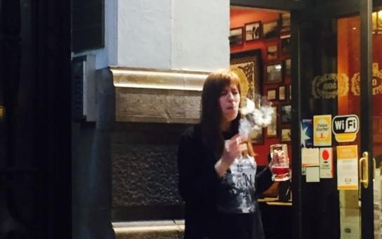 Kolik peněz už každého z nás stál zbytečný protikuřácký zákon? Desítky milionů… Absolutní zákaz kouření k ničemu nevede, zní nejen z Polska