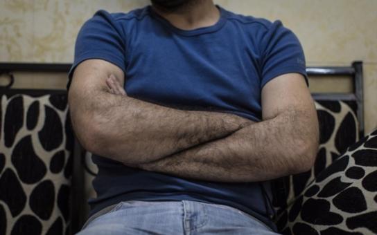 To už je tedy vrchol drzosti! Irácký imigrant, který brutálně znásilnil malého chlapce, žádá o azyl pro celou famílii. Prý už čtyři měsíce neměl sex, tak co se divíme