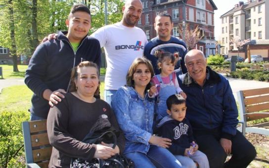 Čtyři rodiny iráckých křesťanů si prohlédly Český Těšín, který se stal jejich novým domovem. Děkujeme Bohu, že zde můžeme být, v tak klidném a krásném městě, prohlásila hlava rodiny