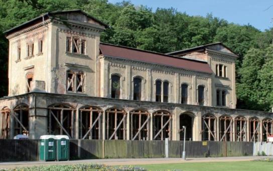 Primátorka Krnáčová a radní Wolf představili záměr rekonstrukce Šlechtovy restaurace. Obnoví se i kaštanová zahrada, kam chodily celé generace Pražanů na pivo a limonádu