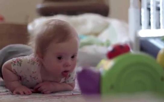 Citové vydírání, hyenismus a hraběcí rady... Všichni jsou chytří jak rádio; obzvláště když to sami nezažili. Jak čtenáři reagovali na článek o mámě dcerky s Downovým syndromem, kterou dala do děcáku?