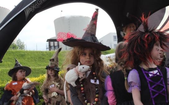 Mimořádný duchařský certifikát mohou malí kouzelníci získat již tuto sobotu na Temelínském čarování. Stačí jen dorazit do zámečku Vysoký Hrádek v masce ducha, fantazii se meze nekladou