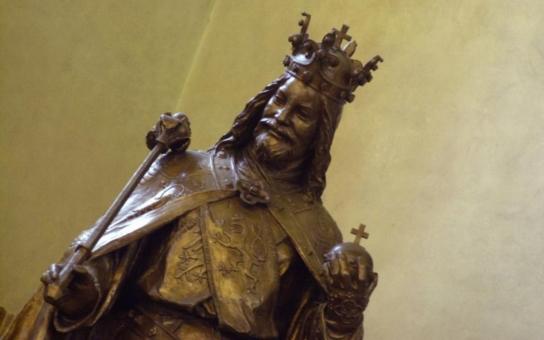 Drtivá porážka: Premiér Sobotka se přiznal, že by chtěl vládnout podobně jako Karel IV. Ten se ale obklopoval chytrými lidmi. A co způsobilo pobouření v Praze?