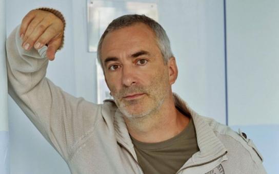 Hvězda seriálu Ulice fušuje do řemesla kolegům z úplně jiné branže, a ještě navíc na veřejnosti. V jaké profesi našel český George Clooney takové zalíbení?