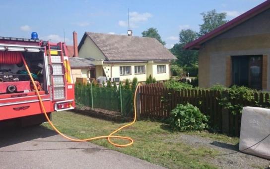 Povodní zasažené Výravě pomáhali i dobrovolní hasiči. Makali jako šrouby bez nároku na odměnu, i když museli druhý den do práce