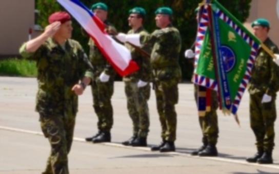 Bučovická vojenská posádka slavila Den ozbrojených sil. Nechyběl zástupce kraje, aby předal stříbrnou medaili za mimořádné zásluhy