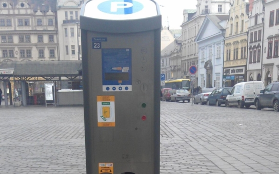 Plzeňané se dočkají, zóna placeného parkování se rozšíří západně od Klatovské třídy zhruba za rok. Do provozu bude uvedena až po otevření bezplatného nového záchytného parkoviště