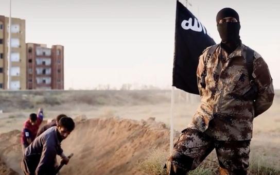 Nechtěl zaplatit útratu v restauraci a dal pěstí servírce; k útoku se přihlásil Islámský stát. Džihádisté jsou materiál pro Chocholouška a zbičovaný politik definitivně popřel Plzáka. TÝDEN V OBRAZECH