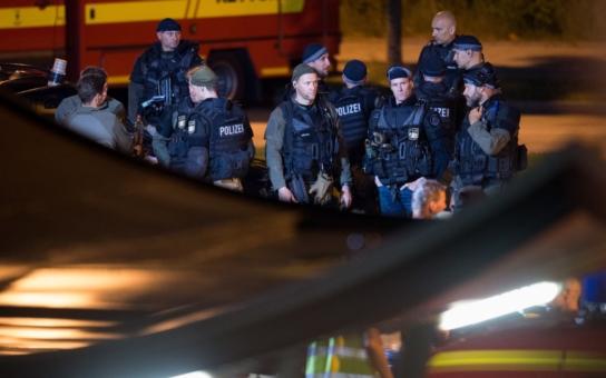 Evropští politici zcela selhali při ochraně občanů EU. Musíme si opravdu zvyknout na to, že se bude v Kotvě střílet a ve vlaku útočit sekerou?