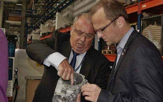 Kovolis Hedvikov chystá rozšíření továrny. Budoucí zaměstnance zaučuje už během studia