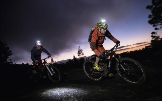 Úrazů na českých horách dramaticky přibývá. Nejčastěji se zraní cyklisté či jezdci na populárních horských koloběžkách. Pěší turisté zase často podcení povětrnostní podmínky