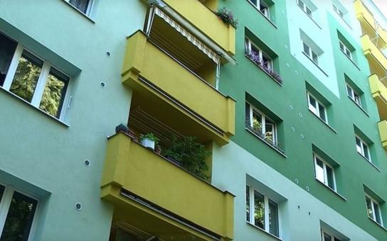 Město Sokolov nabízí zvýhodněné bydlení seniorům. Pokud splňujete kromě věku i další specifická kritéria, můžete si požádat o přidělení bytu s nájemní cenou 33 korun za metr čtvereční