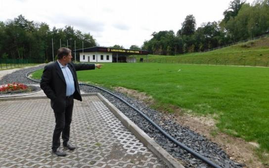 V chebském areálu lukostřelců se intenzivně pracuje. Odvodnění a renovace trávníku si vyžádaly více než milion korun, hotovo má být v září