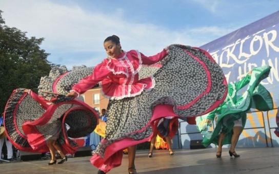 Folklór bez hranic právě startuje v Ostravě. Na festivalu s mezinárodní účastí se letos představí i hosté z Indonésie, Sicílie, Slovenska a Polska
