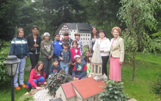 Závěr prázdnin byl v Oblastní charitě Most mezinárodní. Děti z nízkoprahových klubů podnikly dva výlety na německou stranu Krušných hor