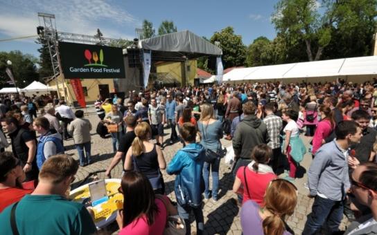 """Unikátní projekt """"Jíme jako za Baťů"""": Ve zlínských firmách si v rámci Garden Food Festivalu vyzkouší, jak si pochutnávali Baťovi zaměstnanci"""