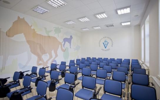 Do nového školního roku vstoupila kroměřížská veterina se zbrusu novými prostorami. Získala jedenáct odborných učeben se zázemím, čtyři kabinety, tři kmenové učebny a přednáškový sál