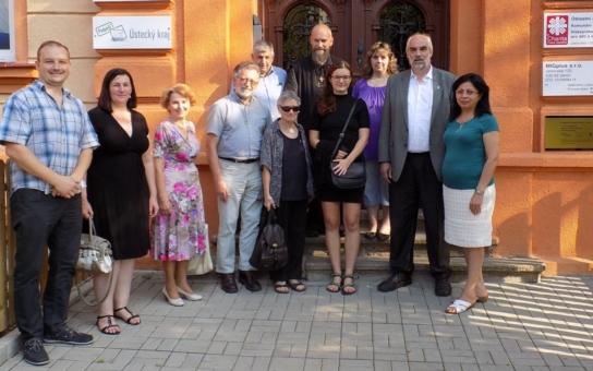 Oblastní charitu Most navštívilo Oráčovo společenství. Jeho členové si totiž chtěli prohlédnout výsledek investičního projektu, který významně finančně podpořila jejich bavorská nadace Renovabis