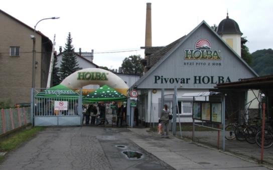 Pivovar Holba z Hanušovic oslaví Den českého piva se svými příznivci. Načepuje jim speciální Svatováclavský ležák