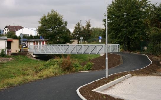 Cyklostezka Letná-Popovice je téměř dokončena, zbývá poslední úsek. Propojením jednotlivých cyklostezek, vedoucích centrem Jičína, se zvyšuje bezpečnost cyklistů i chodců
