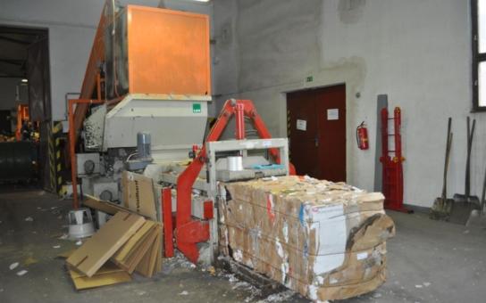 Pelhřimovská sběrna tříděných odpadů se otevřela veřejnosti. Den otevřených dveří měl pomoci odvrátit myšlenku, že technické služby svážejí vše na jednu hromadu, a pak odvezou na skládku