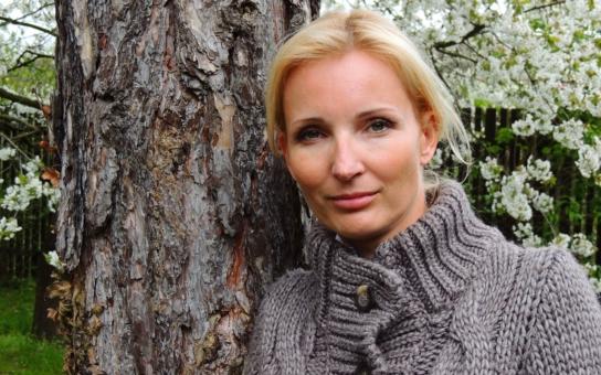 Dostihla ji temná minulost jejího muže? Čeho se tak bojí Petra Paroubková a proč se skrývá? Reportéři  Seznamu zjistili…