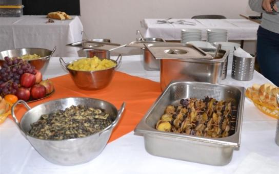 Seminář o netradičním využití brambor v kuchyni inspiroval kuchaře ze školních jídelen. Nejvíc zaujal bramborový chléb, chutnal i bramborový guláš s hlívou ústřičnou či bramborové noky se sýrovou omáčkou