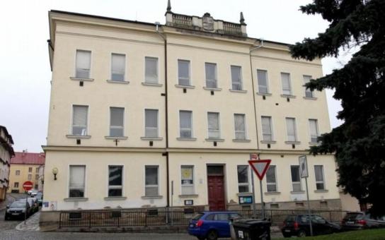 Jihlava hodlá využít budovu někdejšího Domu dětí a mládeže v Brněnské ulici jako spolkový dům. Radnice už oslovila s nabídkou bezmála šedesát spolků