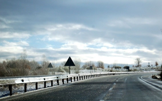 Od Nového roku se uleví řidičům na další stovce kilometrů dálnic. Pokud brázdíte pravidelně pouze tyto trasy, nebudete již potřebovat dálniční známku. Podívejte se, o které úseky jde, máme přehled i mapu