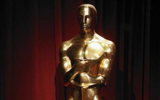 Poprvé získali čeští filmaři Oscara před padesáti lety, vzácnou sošku ale veřejnost spatřila jenom jednou. Režisérova manželka ji totiž zřejmě ztratila při stěhování. Tajnosti slavných