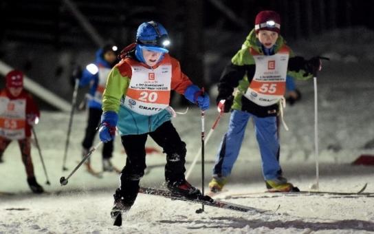 SkiTour odstartuje předsilvestrovským závodem v Bedřichově. Užijte si běžeckou romantiku s čelovkami a za svitu měsíce, do 18. prosince je startovné za zvýhodněnou cenu