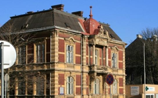 Ostrava se pyšní dvěma novými stavebními památkami. Jde o ukázkové vily, obě najdete v nemocničním areálu. Ale co s nimi dál?