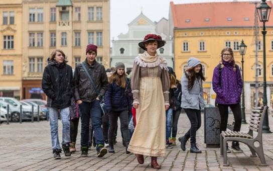 Turistické informační centrum letos uskuteční v Plzni více než 530 prohlídek. Novinkou v nabídce byly různě tematicky zaměřené kostýmované prohlídky