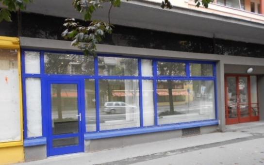 Hradec Králové snížil nájemné nebytových prostor na Gočárově třídě, láká tím nové nájemce. Chce zvýhodnit podnikatele, kteří zůstanou v kamenných obchodech v centru