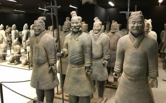 Karlovarský Thermal ovládli terakotoví bojovníci. Strážili panovníka, který nechal postavit Velkou čínskou zeď a sjednotil Čínu