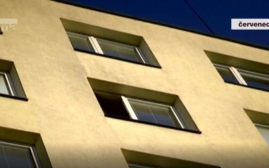 Nešťastná náhoda, nebo vražda a následná sebevražda? Kriminalisté ukončili vyšetřování záhadného pádu z okna