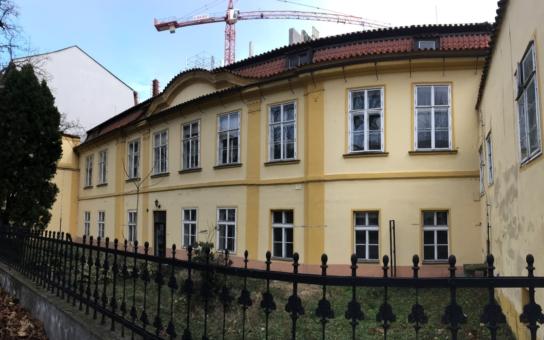 Náročné rekonstrukce pražských historických domů jsou nově v rukou ústeckých stavbařů