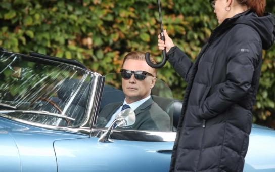 Místo mercedesky Jaguar, jenže... Proč dělá Prima s novým seriálem tajnosti? Má strach. Sáhla na legendu