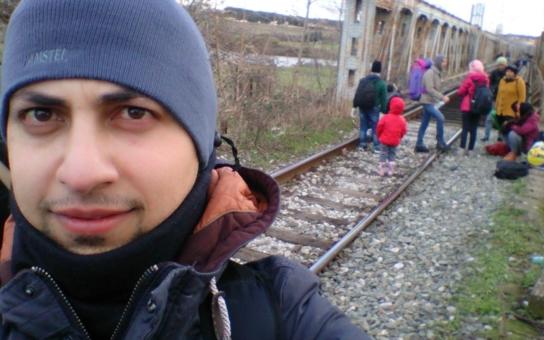 Jednostranná propaganda. Úspěšná integrace uprchlíků v Německu je prý geniální story. Zpravodaj ČRo sledoval pět Syřanů, dostal cenu, posluchače ale neoslnil