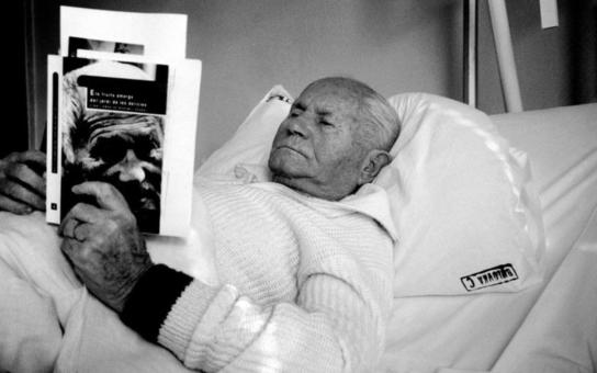 Spáchal nejpopulárnější a nejpřekládanější český autor sebevraždu? Ladím se na smrt, říkal na smutném konci života, který skončil v únoru