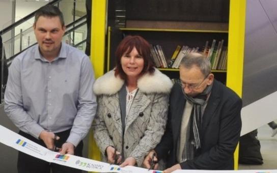 V Teplicích byla otevřena první Knihobudka. Její adopce se ujala jedna z pátečních středních škol kraje
