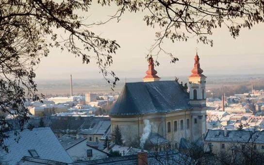 Parkovné ve Šternberku můžete zaplatit prostřednictvím sms, v Olomouci se této služby dočkají od poloviny roku