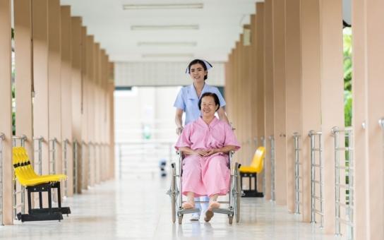Nemocnice Přerov vyškolí sanitáře a absolventům nabídne i práci. Pracující zájemci budou potřebovat deset dní dovolené
