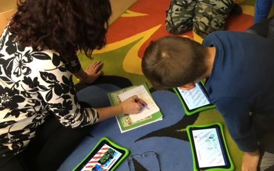 Je možný úspěch pro každé dítě? Inkluze na mosteckých školách má jméno Lepší Klima. Děti navštěvují třeba digitální kroužek nebo o ně pečuje starší kamarád