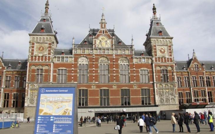 Trestuhodná mediální propaganda kolem holandských voleb. Z politika udělali populistu a extrémistu, ale mnohé zamlčeli